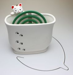Hang In There Clinging Cat Look Over Wall Ceramic Mosquito Coil/ Incense Holder Incense Holder, Paper Mache, Accent Pieces, Planter Pots, Remedies, Pottery, Clay, Japanese, Gift Ideas