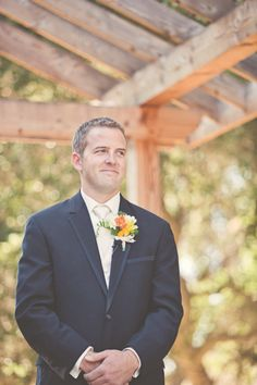 grooms face when he sees his bride!  Photography By / lindseygomes.com