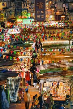 The Temple Street Night Market -- where the story opens up!