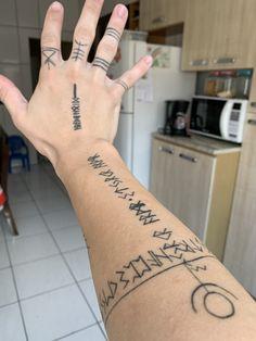 Finger Tattoos, Body Art Tattoos, New Tattoos, Tattoos For Guys, Sleeve Tattoos, Cool Tattoos, Tatoos, Viking Rune Tattoo, Norse Tattoo