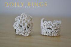 75 Bastelanleitungen für DIY-Schmuck – Tip Junkie - Jewelry DIY Ideas Crochet Ring Patterns, Crochet Rings, Crochet Bracelet, Diy Crochet, Doily Patterns, Jewelry Patterns, Crochet Crafts, Diy Lace Jewelry, Diy Lace Earrings