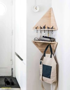 Genius Space-Saving Projects For Small Spots Tigh&; Genius Space-Saving Projects For Small Spots Tigh&; Tamy Soph TamySoph apartment Genius Space-Saving Projects For Small Spots Tight […] Divider diy small spaces Diy Projects Apartment, Diy House Projects, Small Apartment Hacks, Small Apartment Furniture, Apartment Entryway, Small Apartment Storage, Small Space Furniture, Diy Projects Small, Diy Projects For Bedroom