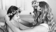 Regala a tu madre un alquiler de un vestido o tocado por el Día de la Madre. En www.lamasmona.com te hacemos un 20% de descuento cuando compres la tarjeta regalo