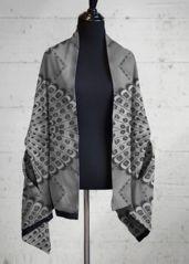 Retro bw multi-wear - Multi-Wear Wrap by Csaba Friss Grey And White, Personal Style, Kimono Top, The Originals, Retro, Cotton, How To Wear, Meet, Weather
