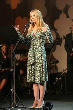 Pin for Later: La Stature de la Liberté Est Sur le Point de Se Faire Relooker Par Diane von Furstenberg Madonna en DVF