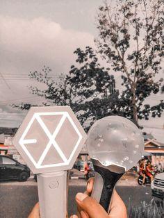 Lightstick Exo, Kpop Exo, Baekhyun, Trendy Wallpaper, Bts Wallpaper, Kpop Stickers, Ideas Decorar Habitacion, Exo Shop, Army Crafts