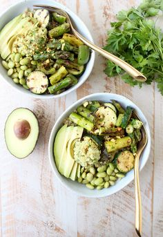 The Green Vegan Buddha Bowl is filled with grilled veggies, green tahini sauce, avocado & quinoa for a healthy, filling meal that's also gluten free!