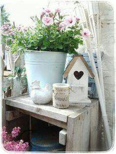 Shabby country chic style