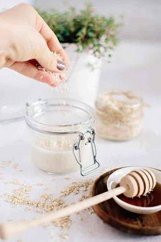 milk bath Get 3 homemade coconut milk beauty recipes. Includes recipes for homemade body wash, an oatmeal bath soak and a sugar scrub. Mac Cosmetics, Homemade Cosmetics, Diy Cosmetic, Homemade Body Wash, Oatmeal Bath, Homemade Bubbles, Bath Recipes, Milk Recipes, Coconut Recipes