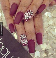 chic bordeaux nails
