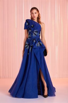 Tony Ward Spring 2020 Evening Wear Look 10 Beautiful Dresses, Nice Dresses, Prom Dresses, Unusual Dresses, Sparkly Dresses, Graduation Dresses, Wedding Dresses, Off Shoulder Gown, Cocktail Outfit