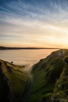 Winnats Pass, Derbyshire, England.