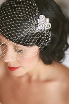I like the kind of sensation of 20 & # - Magnet Mode City Bride Hairstyles With Veil, Loose Hairstyles, Wedding Hairstyles, Bridal Hair Down, Bridal Hair Vine, Wedding Hats, Wedding Updo, Bridal Comb, Bridal Veils