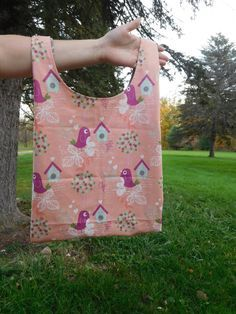 Finally found the pattern for making a grocery bag just like the plastic ones we use. Sew some up and save the environment