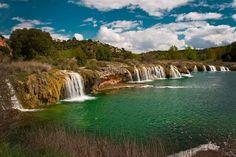 Lagunas de Ruidera (Ciudad Real. España). Estas lagunas ocupan una superficie de 4000 hectáreas y se reparten en dieciséis lagunas que escalonadamente forman cascadas y torrentes.