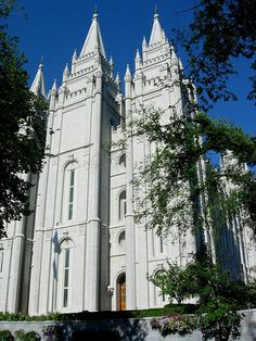Very nice, love it -  Salt Lake City LDS Temple  west front / http://www.mormonproducts.net/?p=697