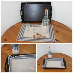 Conjunto Azul: individual e saquinha dupla face, uma em linho e outra em chita de Alcobaça; atilho para fechar e guardar.