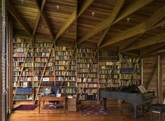 London-based Gianni Botsford of Gianni Botsford Architects designed Casa Kike in Costa Rica