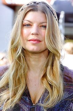 Casual Hairstyles For Long Hair Trend | http://bestpopularhairstyles.com/casual-hairstyles-for-long-hair-trend/