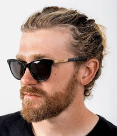 WILLOW - Gloss black acetate made from natural cellulose & recycled wood temple, Carl ZEISS Lens Zeiss, Recycled Wood, Temple, Mens Sunglasses, Bird, Natural, Black, Fashion, Moda