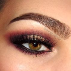 Deets for my smokey sultry fall look: Brows are #anastasiabeverlyhills dipbrow pomade in dark brown Primer by #essence and #nyxcosmetics jumbo eye pencil in gold in the lid Burgundy, brown and black eyeshadows are all from #sleekmakeup's Respect palett