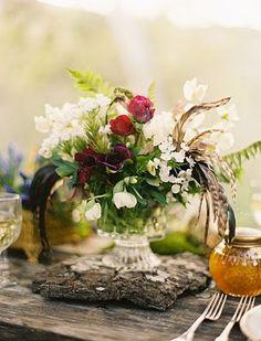 Lovely woodland picnic wedding