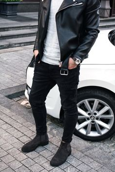 Here is Chelsea Boots Men Outfit Gallery for you. Chelsea Boots Men Outfit the comprehensive guide to chelsea boots from buying Best Mens Chelsea Boots, Chelsea Boots Outfit, Stylish Men, Men Casual, Leather Jacket Outfits, Mein Style, Mens Fashion, Fashion Outfits, Style Fashion