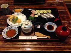 大正亭  ままかり、黄ニラ、鰆寿司と地元の魚が食べれる、  珍しい物もあるが、個人的にはあっさりしすぎかな。  嫁は鰆の寿司は最高だそう。  70点。