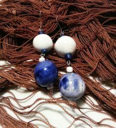 Orecchini ceramica perle smalto bianco e blu