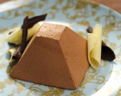 Mousse au chocolat toute simple, sans oeuf Coffee Maker, Pudding, Cheese, Baking, Simple, Desserts, Food, Juliette, Service