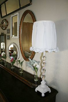 love this pleated lamp shade - Jilly & Mia show you how to do it on their blog (meandjilly.blogspot.com)