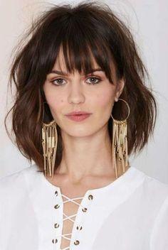 Angelina Suede Hoop Earrings at Nasty Gal Hair Inspo, Hair Inspiration, Medium Hair Styles, Short Hair Styles, Haircut And Color, Great Hair, Hairstyles With Bangs, Hair Lengths, Hair Trends