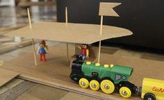 DIYCardboard Train Station by elhadadepapel: Improvise! #Train_Station #Kids