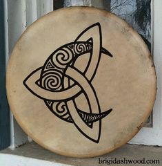 Or I need a new Bodhran? Celtic Moon Bodhran Drum Hand painted by BrightArrow on Etsy Love this design as a tattoo Symbol Tattoos, Body Art Tattoos, Tribal Tattoos, Tribal Moon Tattoo, Tattoos Skull, Geometric Tattoos, Sleeve Tattoos, Celtic Symbols, Celtic Art