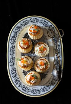 "Russian Monday: ""Volovan s Gribamy"" - Vol-au-vents with Creamy Mushroom & Shrimp Filling at Cooking Melangery Creamy Mushrooms, Stuffed Mushrooms, Afternoon Tea Recipes, Vol Au Vent, Appetizer Salads, Appetizers, Cooking For One, Food Articles, Good Foods To Eat"