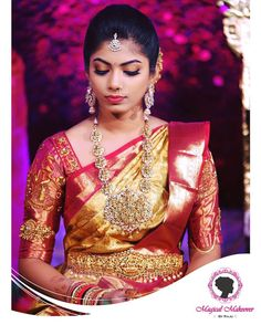 Gold and red silk kanchipuram sari.Braid with fresh jasmine flowers. Indian Wedding Sari, Saree Wedding, Indian Bridal, Wedding Bride, Bridal Sarees, Wedding Ideas, Desi Wedding, Hair Wedding, Indian Weddings