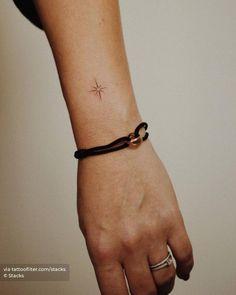 North Star Tattoos, Small Star Tattoos, Tiny Tattoos For Girls, Small Wrist Tattoos, Tattoos For Daughters, Little Tattoos, Mini Tattoos, Finger Tattoos, Body Art Tattoos