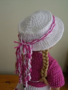 Adorable hat crochet pattern for the American Doll. Outfit, shoes and purse as well. Pinned from original source by Dorothy.