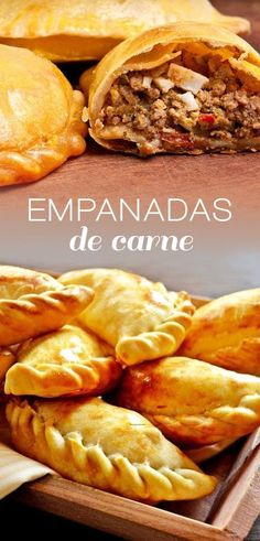 This is a very traditional Mexican dish, it is also made in some places were Spanish cuisine has become increasingly popular. It is very simple to make and they work perfect for breakfast, lunch and d Mexican Food Recipes, Beef Recipes, Cooking Recipes, Argentina Food, Argentina Recipes, Beef Empanadas, Good Food, Yummy Food, Mexican Dishes