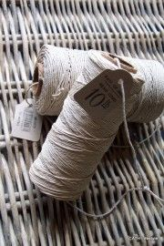 2976 Hemp cord touw spoel dun naturel