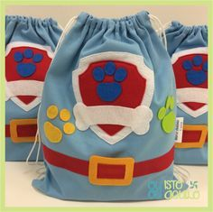 Actividad para una fiesta de cumpleañosde la Patrulla Canina. A los niños les encantará. Rubble Paw Patrol, Paw Patrol Party, Favor Bags, Gift Bags, Paw Patrol Birthday Decorations, Candy Bags, Baby Party, Cute Crafts, 2nd Birthday