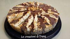 La torta cornetto cuore di panna senza cottura è una deliziosa torta da gustare fredda in tutte le stagioni, facilissima da preparare somiglia tantissimo al famoso cornetto algida. Andiamo in cucina a preparare questa golosissima torta.