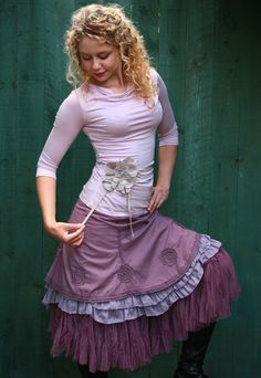Tüll-Unterrock vo… Tulle petticoat by the company Bohemia with a lot of volume. Great for combining with different dresses and skirts. Casual Fashion Trends, Summer Fashion Trends, Boho Fashion, Fashion Dresses, Romantic Outfit, Bohemian Outfit, Pretty Outfits, Cute Outfits, Mode Boho
