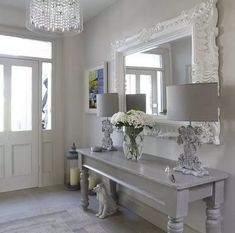 Ways To Use That Room Below Your Stairs Maison-Et-Decoration-Shabby-Chic-Style-Intrieur-Design-Ides-Entrance Entrée Shabby Chic, Shabby Chic Entryway, Shabby Chic Zimmer, Casas Shabby Chic, Estilo Shabby Chic, Shabby Chic Interiors, Shabby Chic Living Room, Shabby Chic Furniture, Entryway Decor