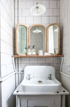 quaint bathroom vanity styling