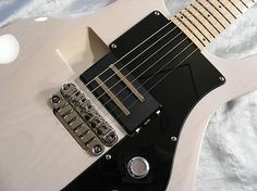 2008 Ampeg AMG100 with interchangeable pickup without soldering