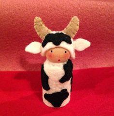 felt peg doll Cow farm peglet por PingThings en Etsy