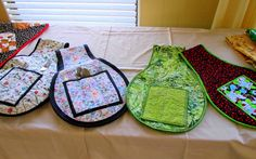 quilted plate and cutlery carriers