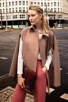 Vom Catwalk direkt ins Büro! Ex-GNTM Mandy Bork zeigt die neue Business Mode, mit der ihr auch im Büro eine gute Figur machen könnt.