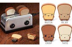 Objetos locos con USB  Y otro dock con forma de tostadora, acompañado de pendrives-tostadas.  /feber.se